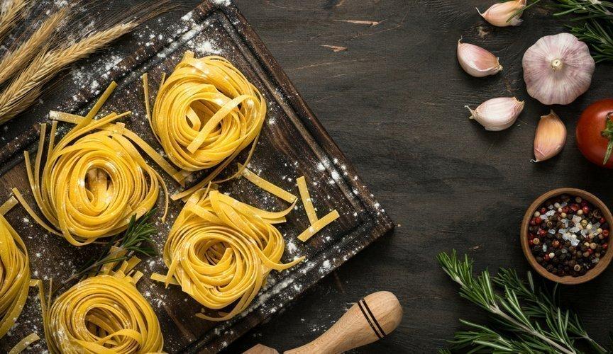 5 curiosità sul cibo italiano fettuccine di alfredo