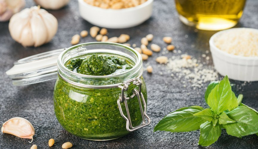5 curiosità sul cibo italiano san basilio e il pesto alla genovese