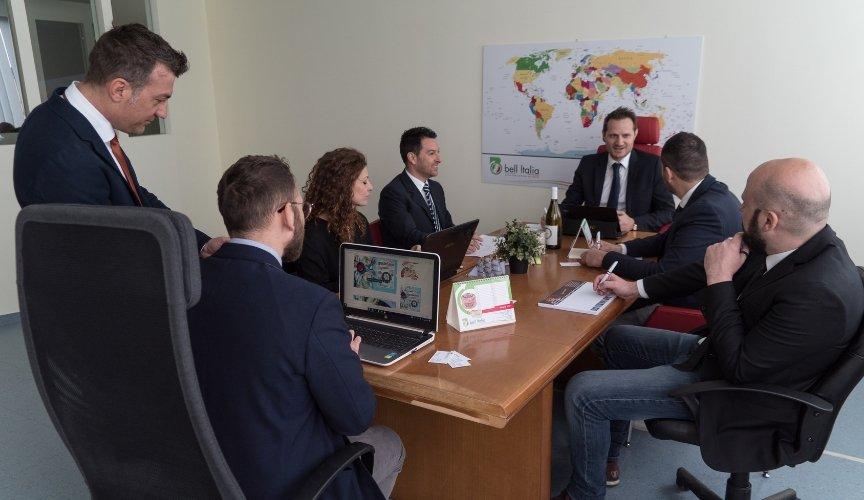 Bell Italia intervista a Gianvito Di Palma, CEO aziendale RIUNIONE